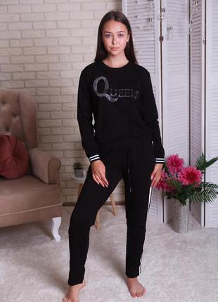 Костюм спортивный - queen со стразами
