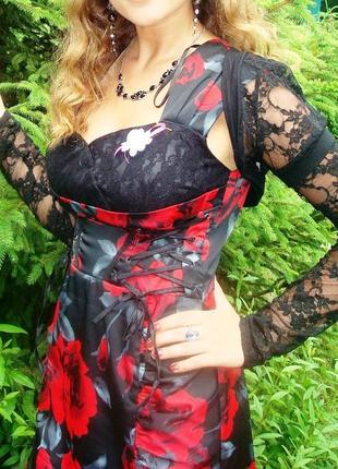 Платье черно-красное