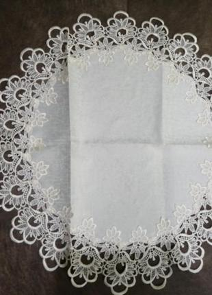 Салфетка с кружевом. кружевная круглая салфетка на стол. 60см