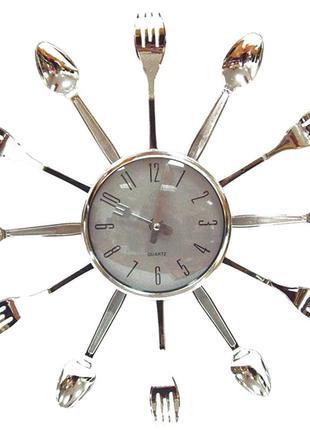 Подарочный набор Настенные часы ложки вилки,