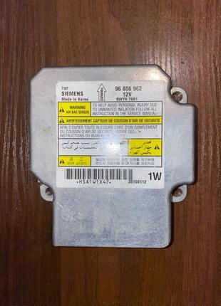 Блок управления подушкой Шевроле Siemens 96806962