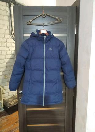 Зимняя  теплая куртка на девочку