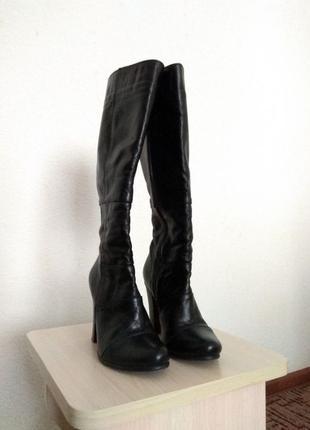 Кожаные демисезонные женские сапоги Nivelle 35 размера.