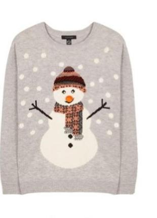 Новогодний свитер со снеговиком.
