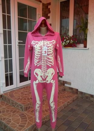 Светящийся фирменный комбинезон пижама кигуруми  скелет 12-13 лет