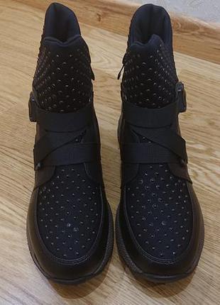 Якісні зимові жіночі черевики