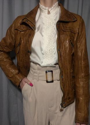 Шикарная кожаная куртка mauritius 100% кожа