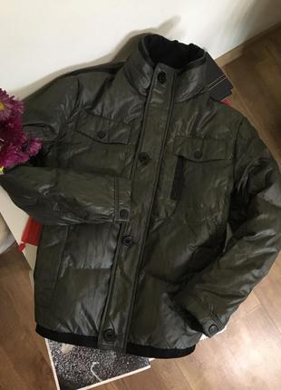 Куртка пуховик для парня uniqlo s-m 165-170см