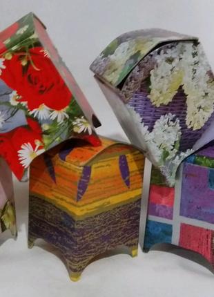 Коробка подарочная, картонная *Ларец* ,цветной, высотой 8 см.