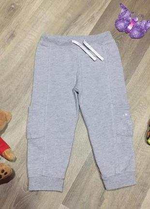 Теплые спортивные штаны  с карманами ,на девочку, на 2/2,5 год...
