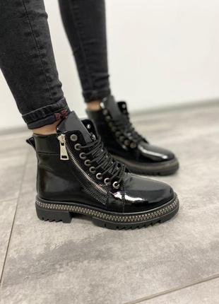 Ботинки лак кожа хит