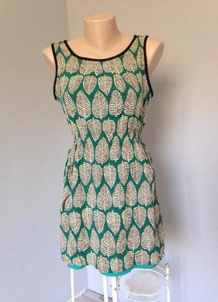 Оригинальное платье в принт перья размер с-м