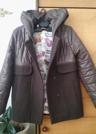 Крутое детское пальто-куртка, цвет молочный шоколад