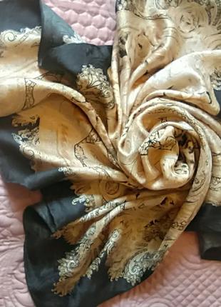 Великолепный статусный платок из натурального жаккардового шелка.