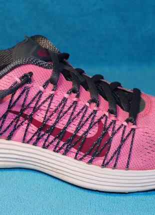 Nike  кроссовки 37 размер