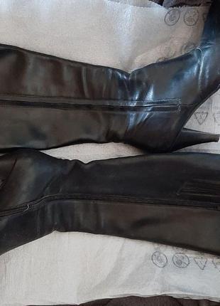 Сапоги женские черные на каблуках