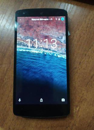 Смартфон LG Nexus 5 16GB