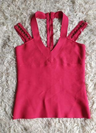 Бандажний топ рожевого кольору з декольте з в вирізом guess