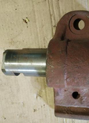 Ушко передней рессоры МАЗ-5332 с пальцем и втулкой в сборе.
