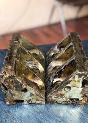 УСП-16 ; Угольник ребристый , Размер - LxBxH - 180x90x90