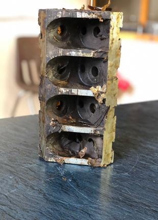 УСП-16 ; Угольник ребристый , Размер - LxBxH - 240x90x90