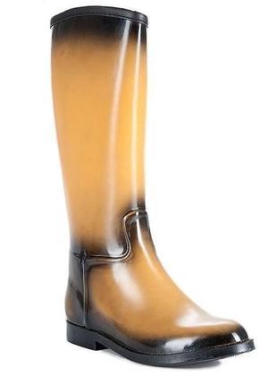 Резиновые стильные сапоги на слякотные,дождливые дни.