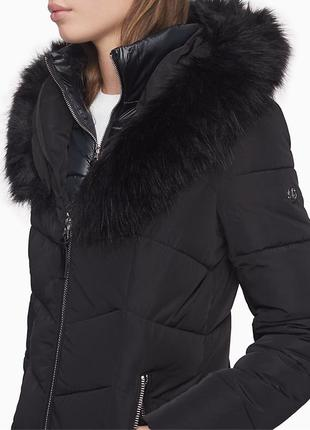 Теплый зимний черный пуховик Calvin Klein с опушкой