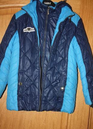 Зимняя курточка для мальчика   р-128/134 в хорошем  состоянии