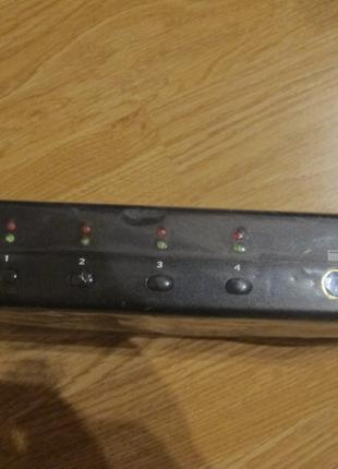4 port Combo KVM Switch witch audio sumply