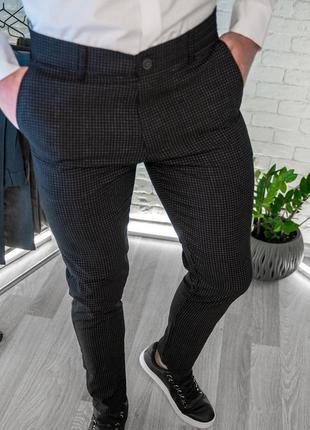 Мужские брюки зауженные черные в клетку / турция