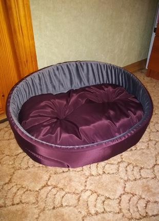 Красивый лежак для собаки