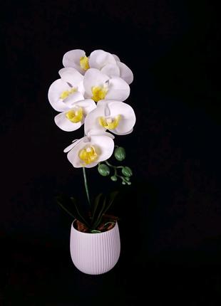 Штучна орхідея