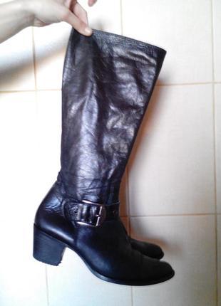 Стильные кожаные,очень качественные демисезонные сапоги globus...