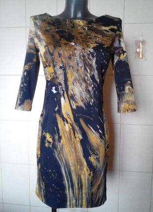 Очень эффектное стильное,качественное,приталенное платье vanil...