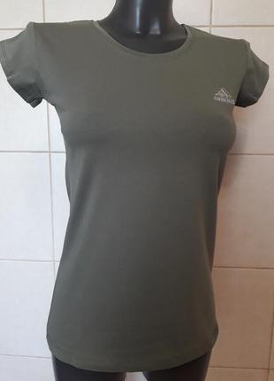 Стильная качественная стрейчевая оливковая футболка adidas