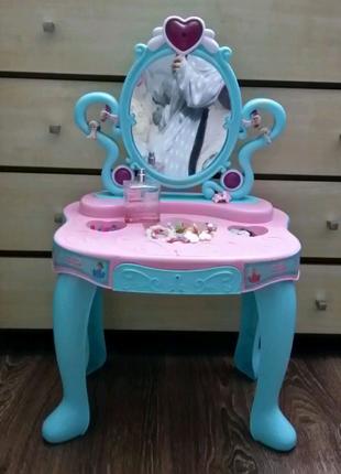 Туалетный столик детский, трюмо