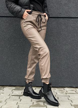 """Утепленные кожаные штаны """"джоггеры"""" шоколадного цвета zh-990-5..."""