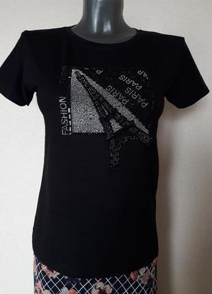 Эффектная,качественная,стильная стрейчевая футболка  с декором...