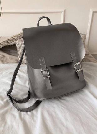 Вместительный серебристый рюкзак-трансформер. сумка-рюкзак мет...