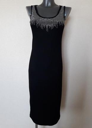 Обаятельное,женственное платье-майка с эффектным декором со страз