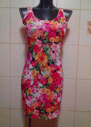 Красивое,яркое,трикотажное приталенное платье be beau,в цветоч...