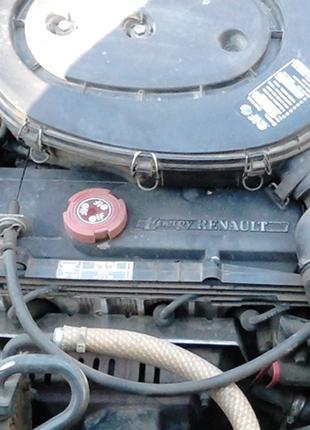 Разборка Renault Clio I (1995), двигатель 1.4 E7J