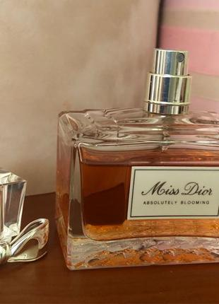 Духи Miss Dior Absolutely Blooming