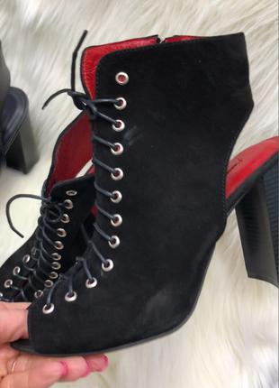 Женские замшевые босоножки, на каблуке