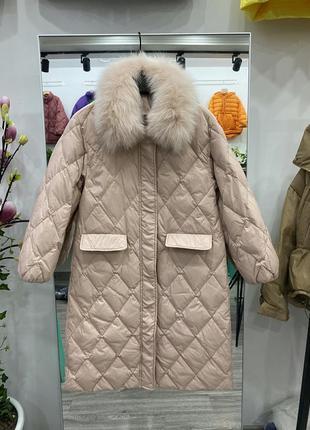 Пальто пуховик с натуральным меховым воротником