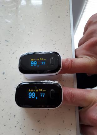Пульсоксиметр на палец для измерения кислорода в крови