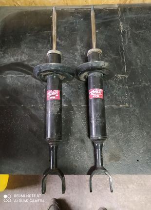 Продам передние стойки амортизаторы на Ауди Audi a6 c5 KYB 34184