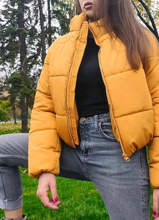 Куртка укороченная объемная дутая - зефирка оранжевого цвета
