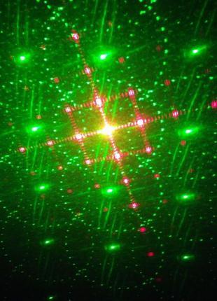Лазерный проектор с движением и изменением 120 узоров , 4 лазе...