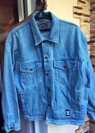 Редкая брендовая  модель джинсовая куртка джинсовка ..сша